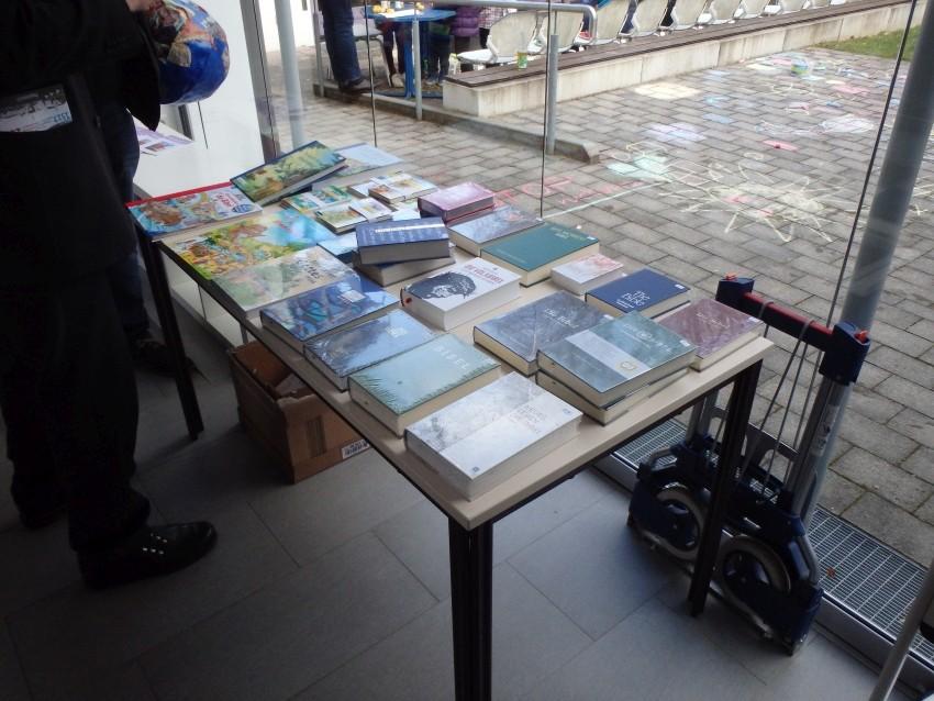 Eine Ausstellung von verschiedenen Bibeln